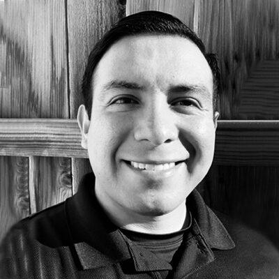 Chiropractor Mont Belvieu TX Jacob Hinojosa